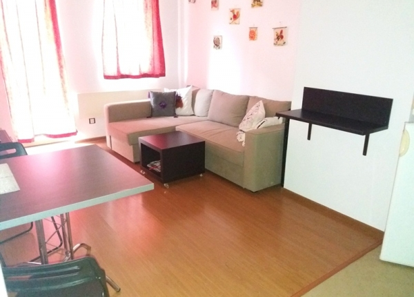 Fully furnished one-bedroom apartment in an apartment complex near the center of Bansko